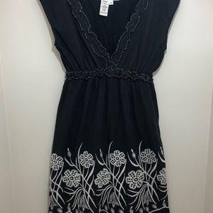 MAX Studio Black Dress w/ white embroidery Size M